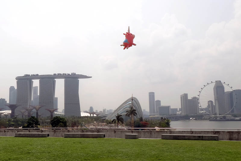 Balloonicorn spotted at the Marina Barrage